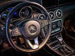 Oświetlenie wnętrza samochodu